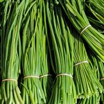 What Herbs Grow Well With Chives