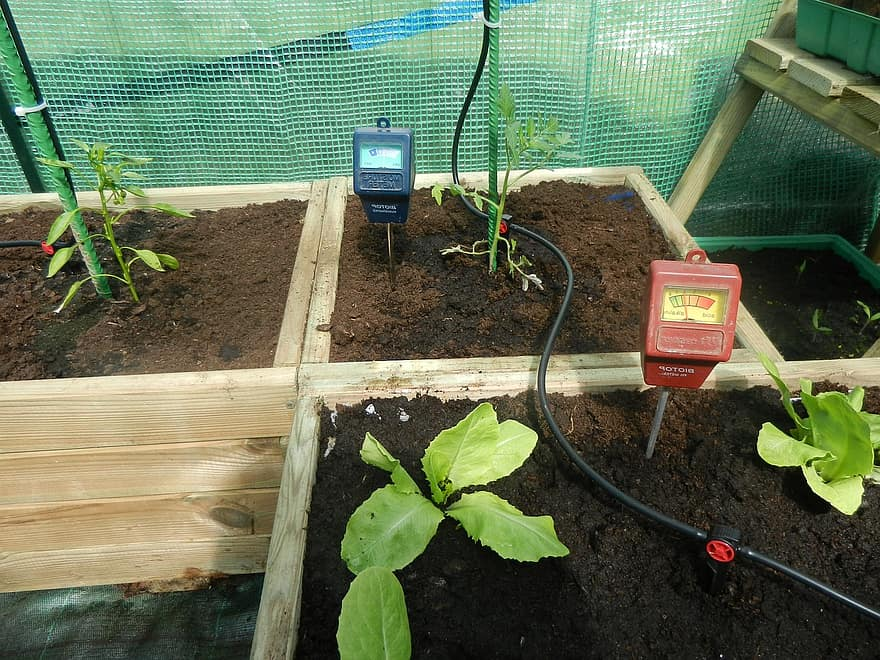 https://krostrade.com//blog/how-to-keep-your-greenhouse-cool/