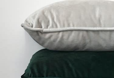 How To Make A No-Sew Fleece Pillow