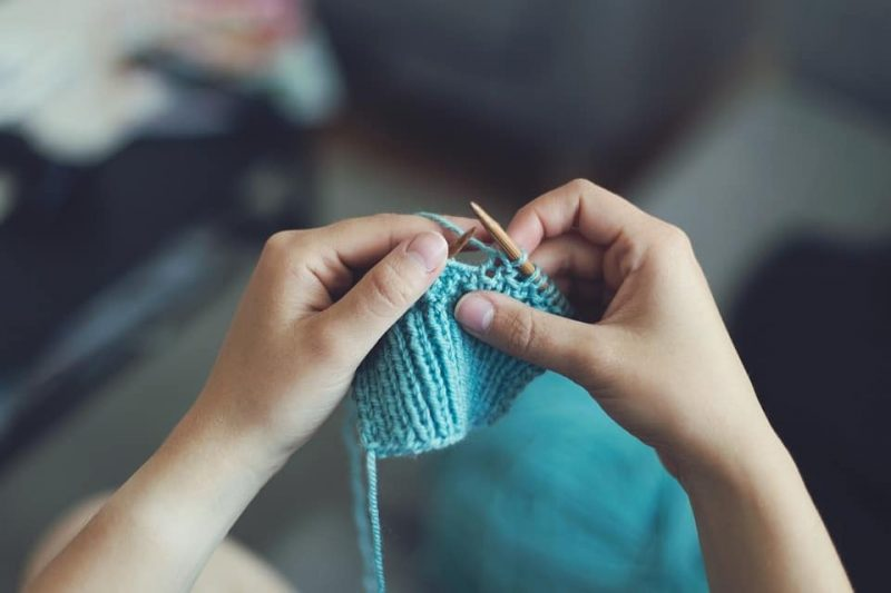 How To Knit A Pillow