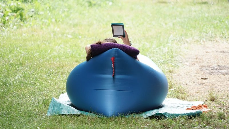 how to deflate embark air mattress