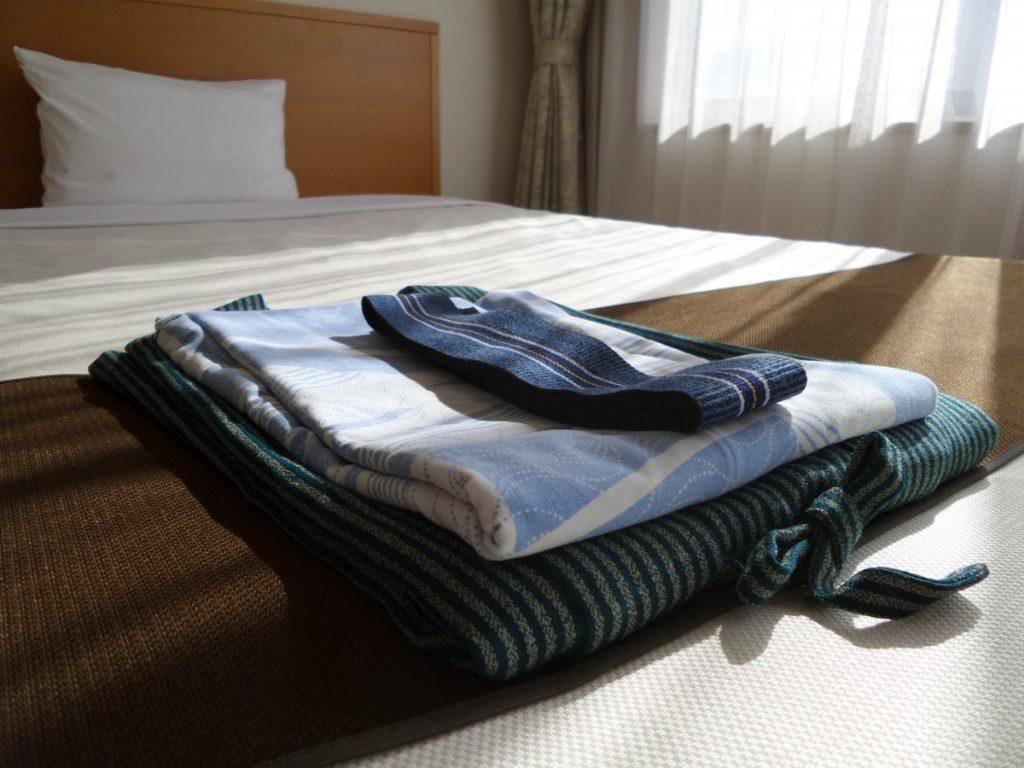 how to raise an air mattress off the floor