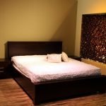 How Much Does A King Mattress Weigh? 3 Important Things To Consider!