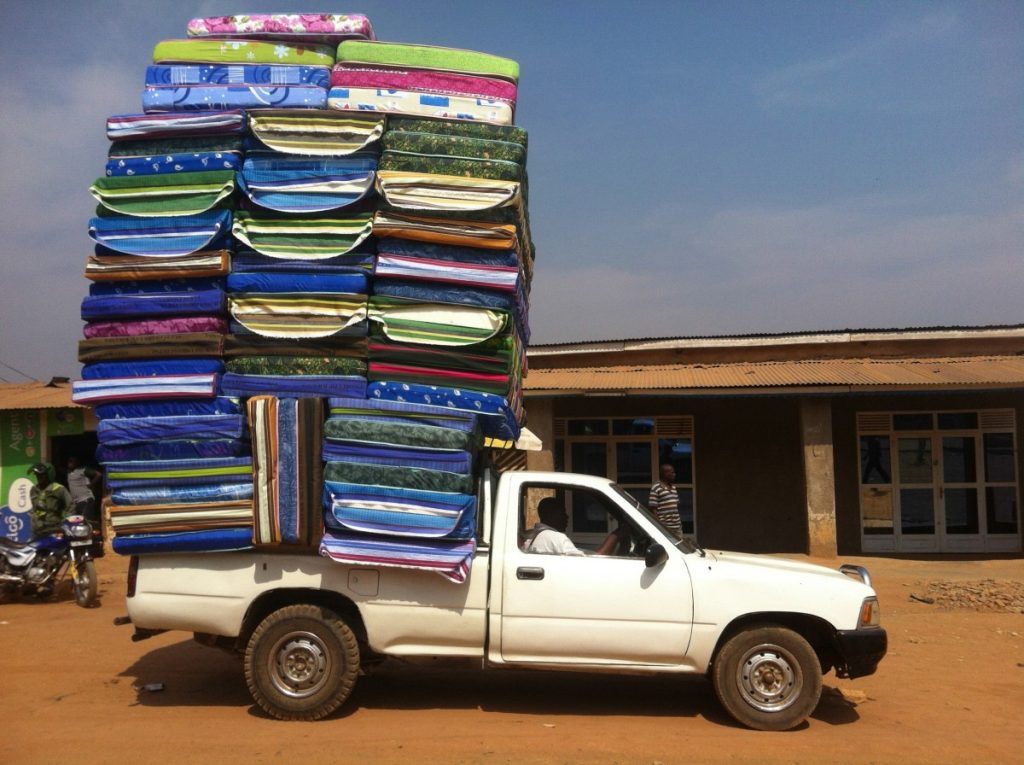 How to tie down a mattress in a truck