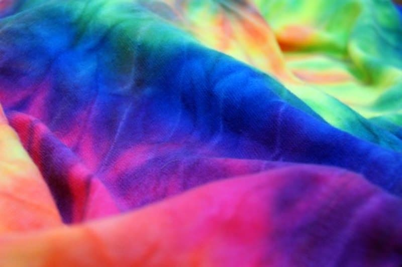 how to tie dye a blanket