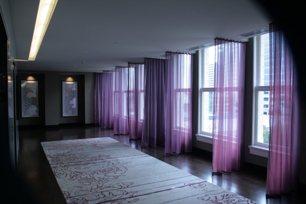 How to hang curtains and sheers