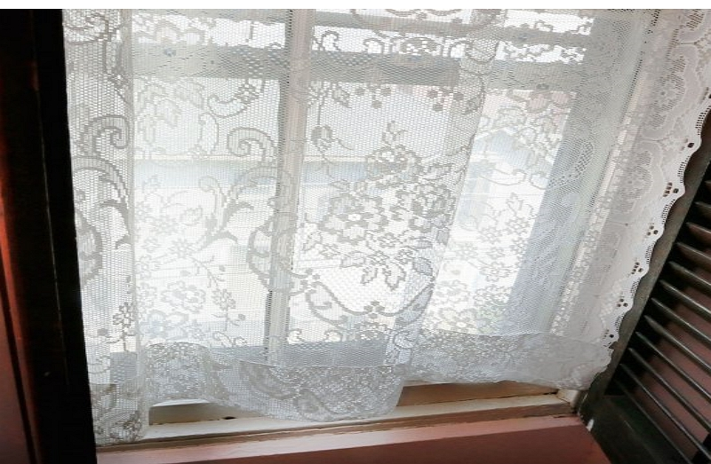 how to clean lace curtains
