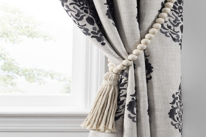 How to tie back curtains with a tassel