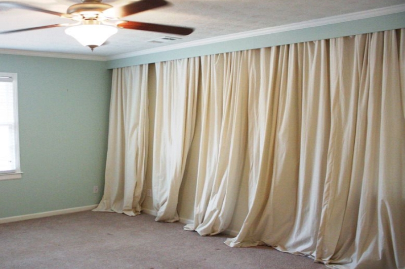 How to cover a wall with curtains