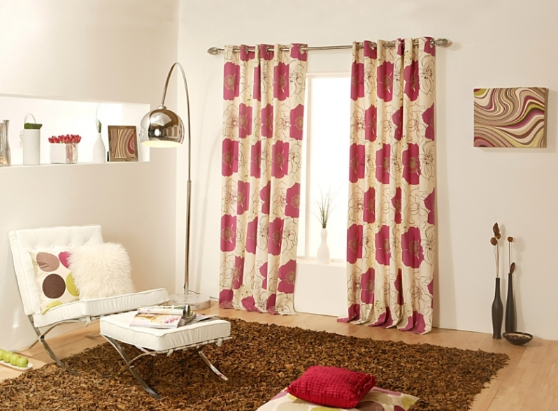 How to Match Curtains and Rugs