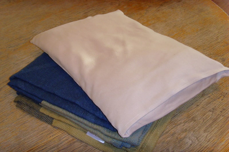 how to make a pillow blanket