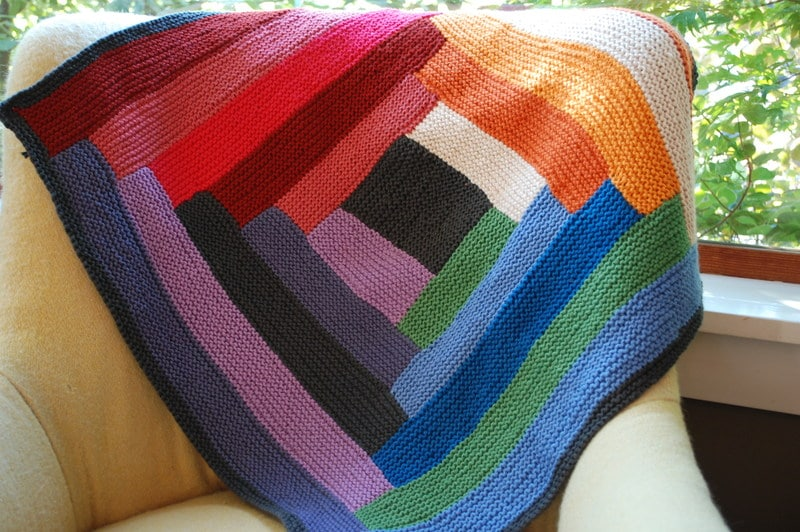 how to sew corners on a blanket