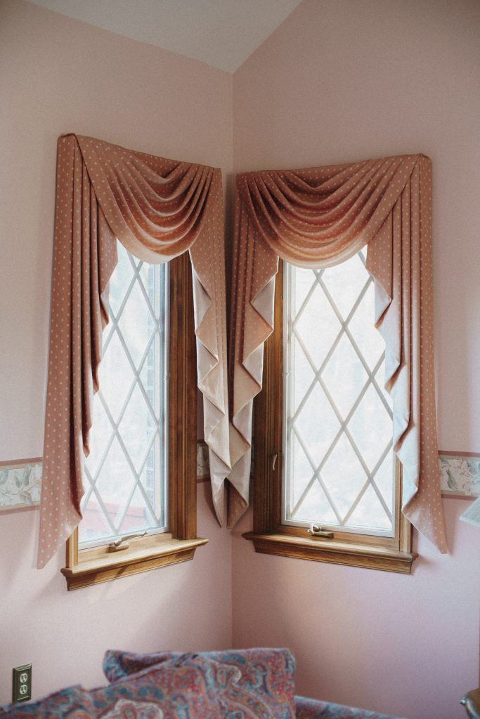 how to hang curtains over blinds without nails