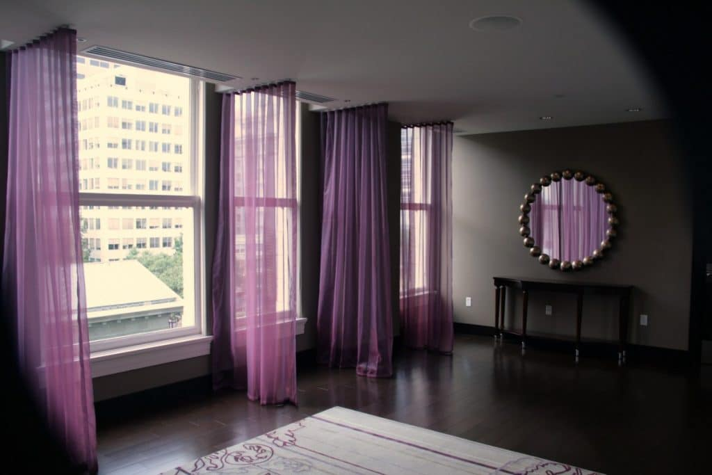 what color curtains go with gray walls