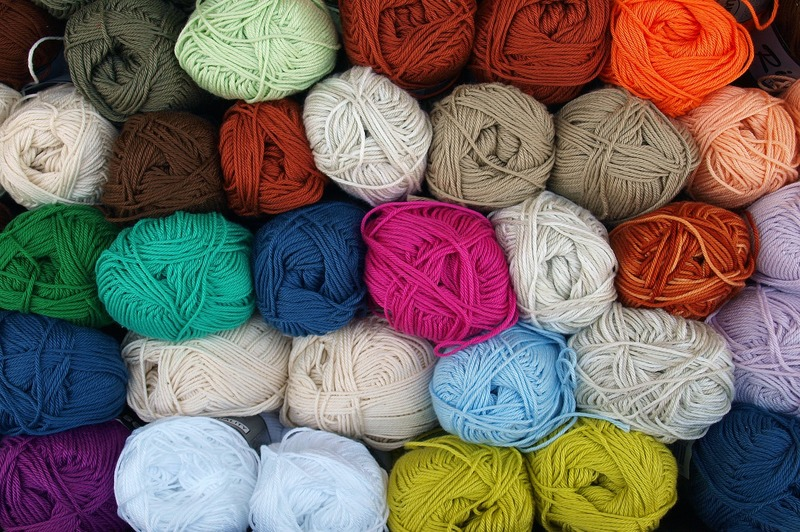 what kind of yarn for arm knitting a blanket