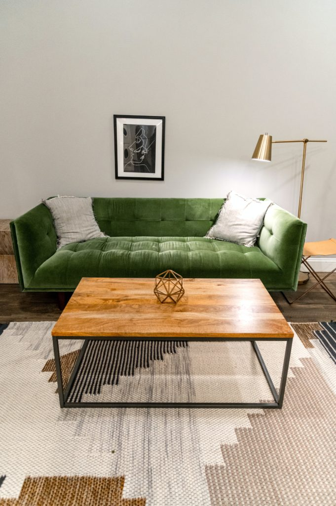 how to set up couch and loveseat
