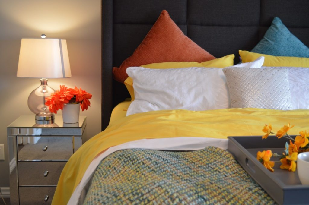 how to clean bed sheets without washing them