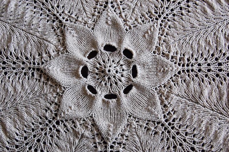 how to crochet round blanket