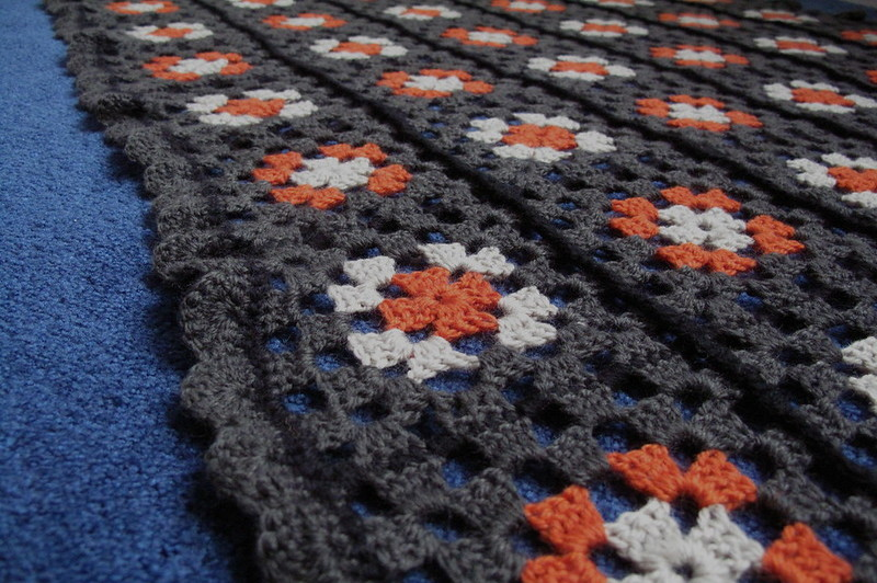 how to finish a granny square blanket
