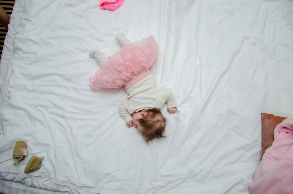 how to get your toddler to stay in bed