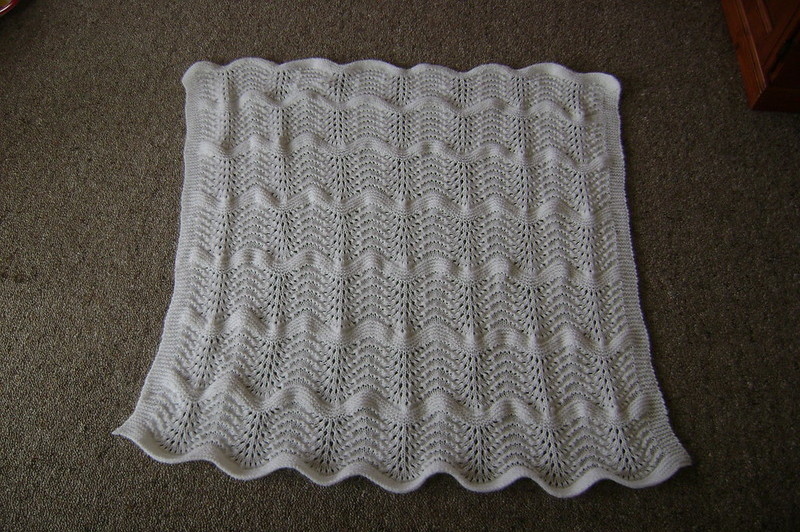 how to line a knitted blanket