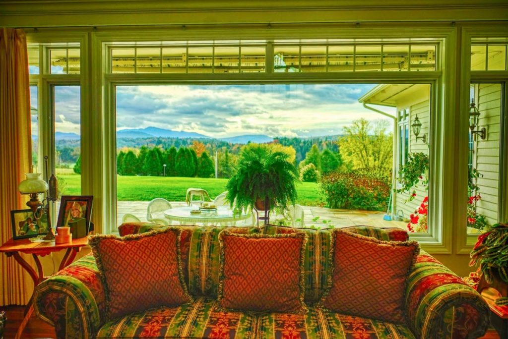 What color curtains with light green walls