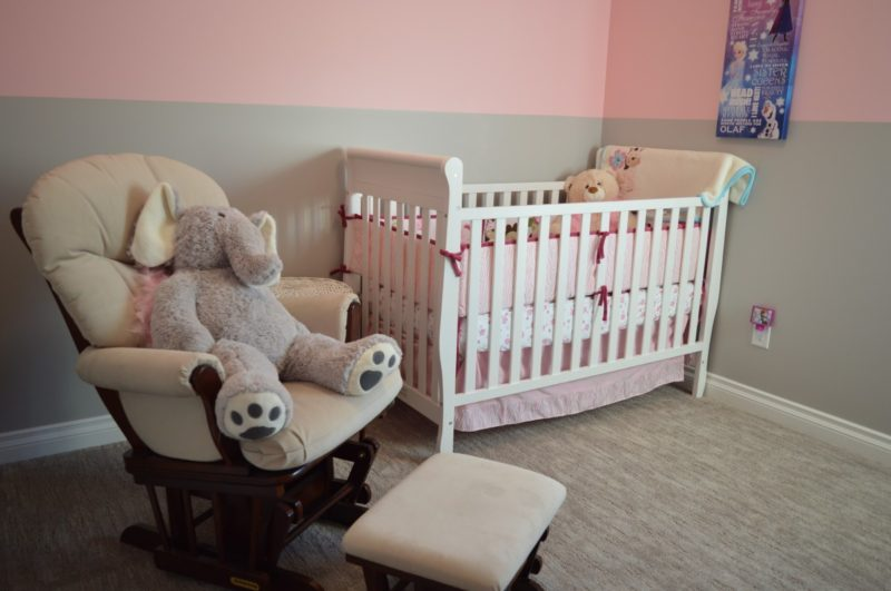 How to turn a crib into a bed