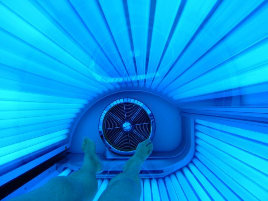 how to get darker in a tanning bed