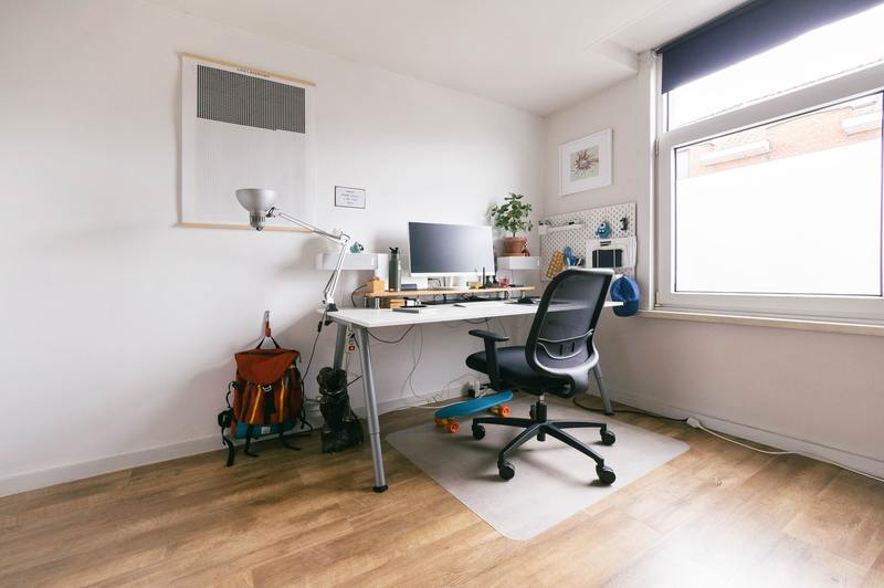 how to remove office chair base