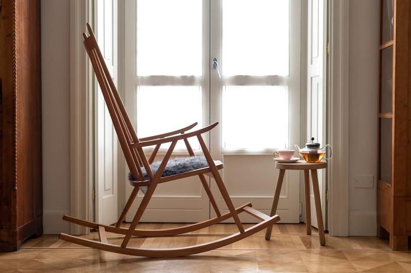 how to tell the age of rocking chair