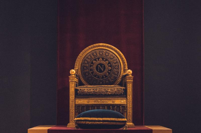 how to build a throne chair out of wood