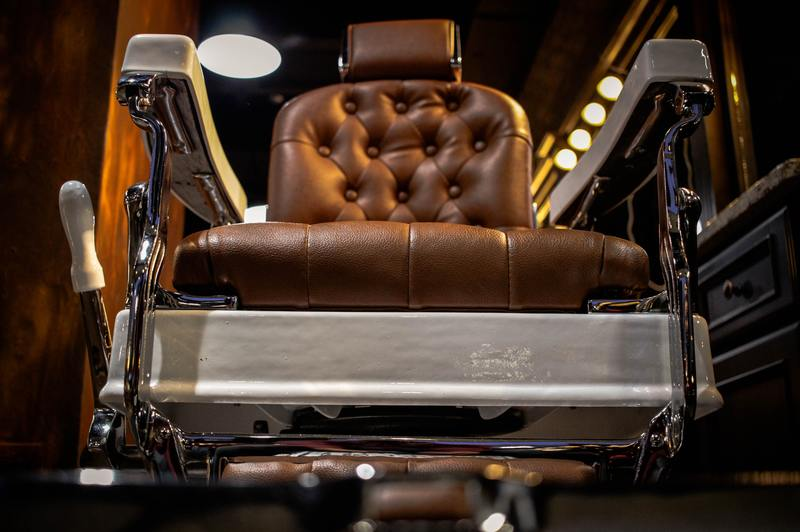 how to put hydraulic fluid in a salon chair