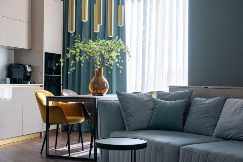 how to decorate a living room with a loveseat