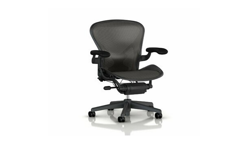 How to Fix a Swivel Chair That Won't Stay Up