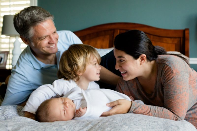 Which of the following best describes term life insurance