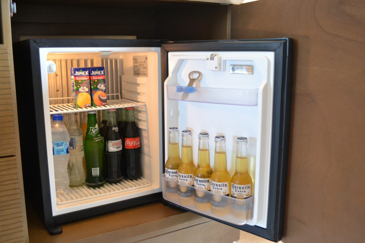 freezer door opens when I close fridge