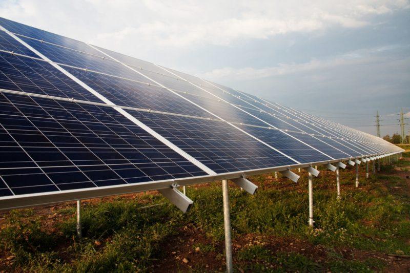 how many solar panels to run a fridge