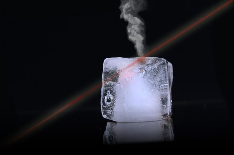 how to clean fridge ice maker