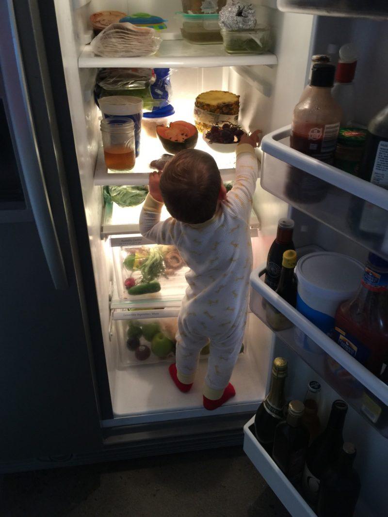 how to deodorize fridge