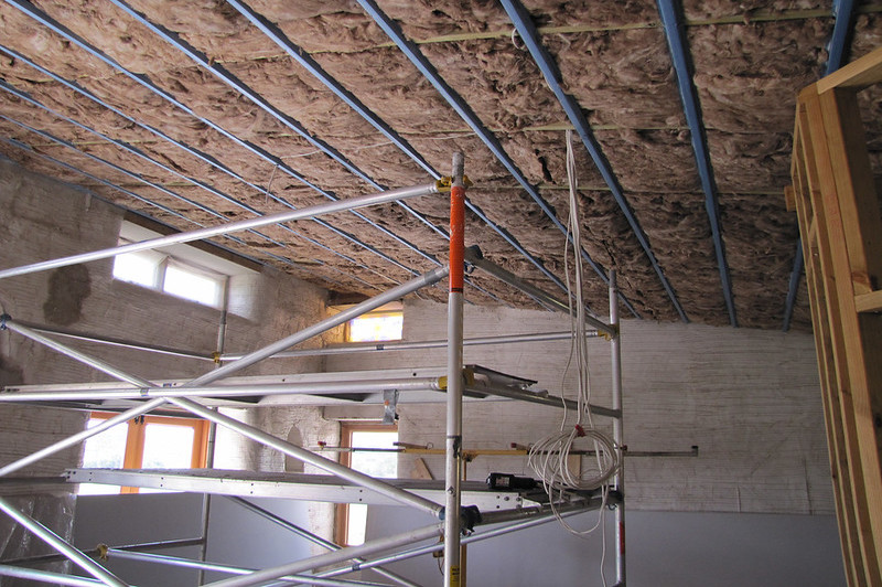 how to remove water damaged ceiling insulation