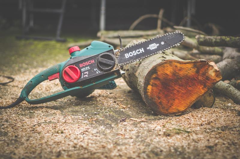 how to repair water damaged chainsaw