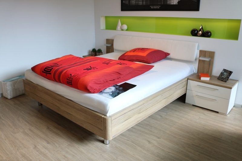 what kind of mattress is best for stomach sleepers