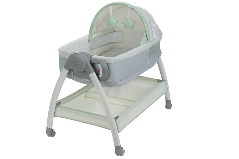 How to Clean Spit up Out of a Bassinet Mattress
