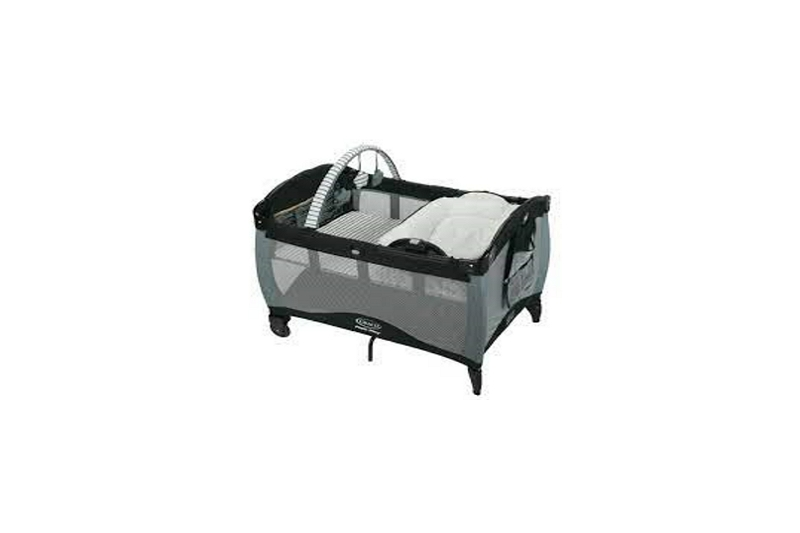 Graco Pack N Play Bassinet with Changing Table