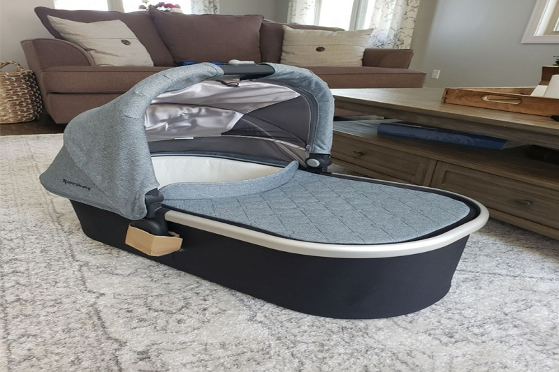 Difference Between a Bassinet and a co-sleeper
