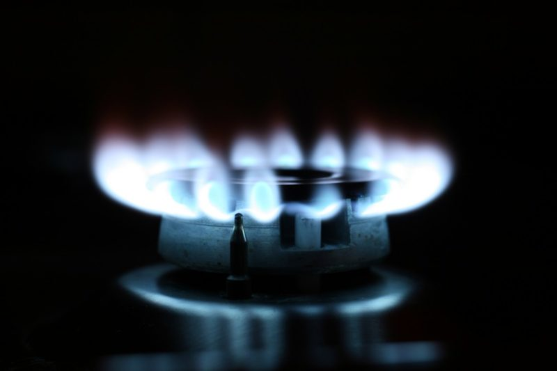 how much propane does a gas stove use