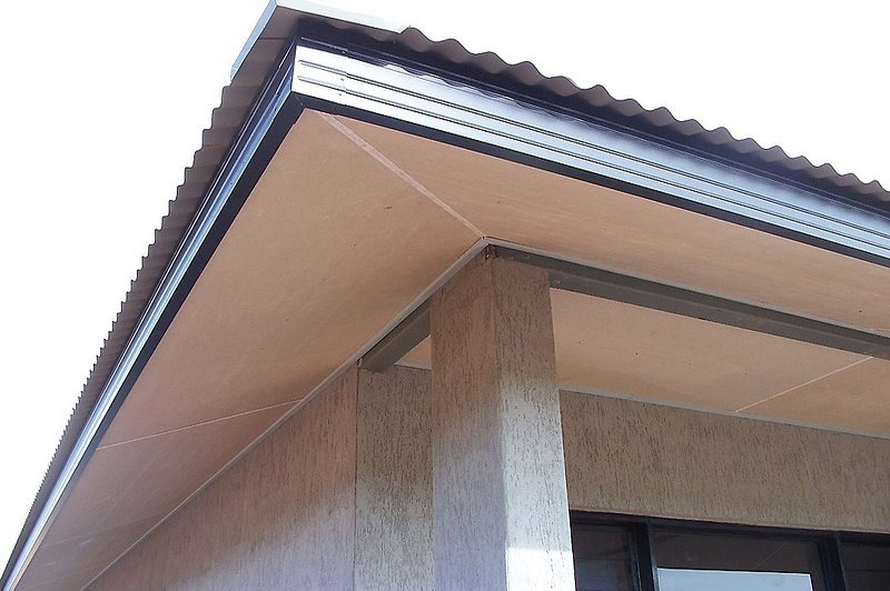 how much to repair water damaged soffit