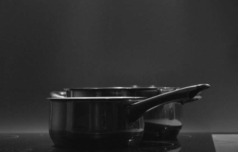 how to clean black stovetop