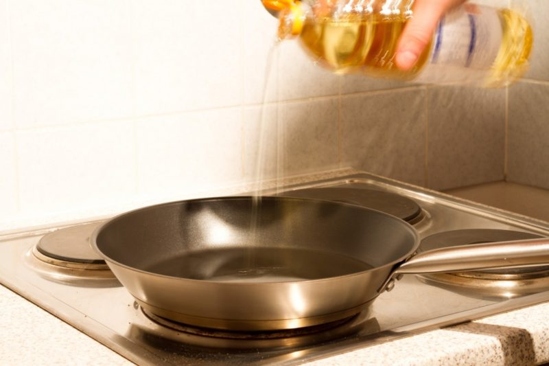 how to clean coil stove top