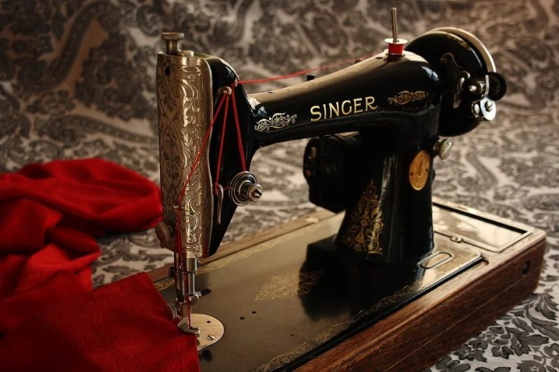 how to polish a vintage singer sewing machine